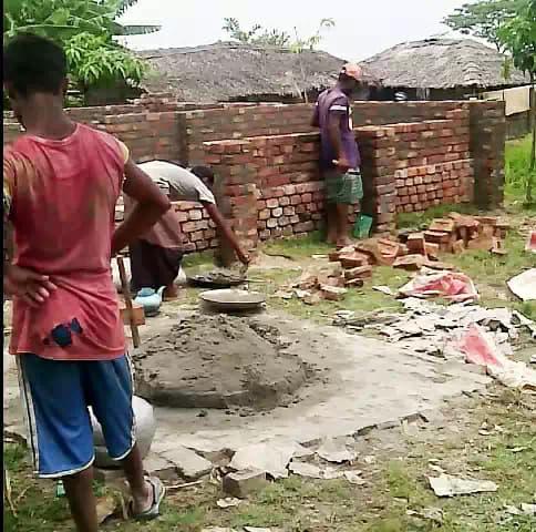 প্রতাপনগরে জোর পূর্বক জমি দখল করে ঘর নির্মাণের অভিযোগ