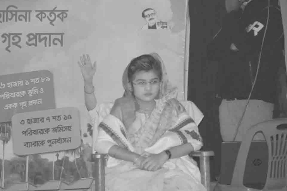মিনি শেখ হাসিনা সেজে ভাইরাল 'দিঘী'