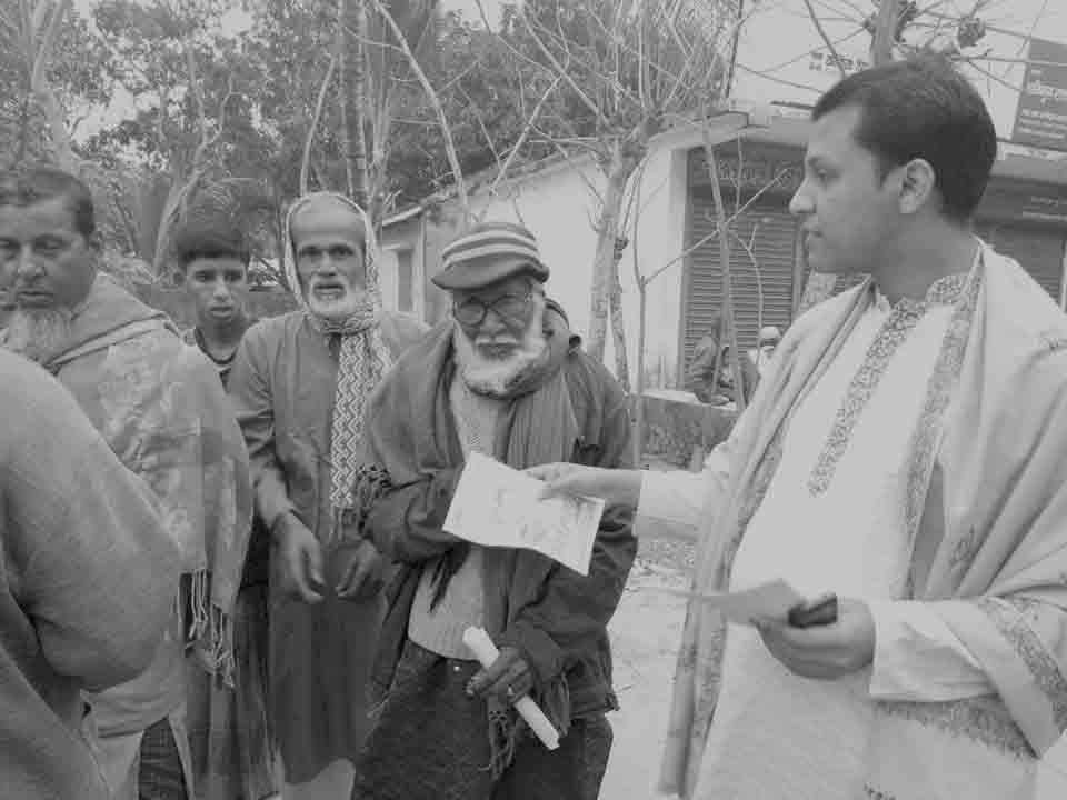 খাজরায় চেয়ারম্যান প্রার্থী কবি রুবেলের নির্বাচনী গণসংযোগ