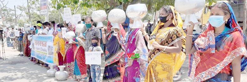 শ্যামনগরে সুপেয় পানির দাবিতে মানববন্ধন